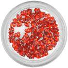 Piros körömdíszítő kövek - szívecskék