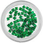 Smaragdzöld körömdíszek - négyzet alakú kövecskék