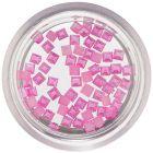 Négyzet alakú gyöngyházfényes díszek – rózsaszín